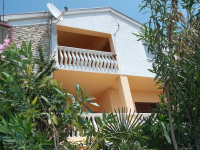 Apartmani Dejan - A2+3 - Pirovac