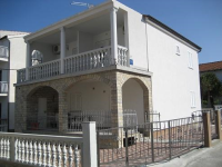 Apartmani Pave - A2+2 - Pirovac
