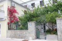 Apartmani Nida - A2+2 - Podgora