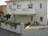 Apartments Milka - Apartment mit 2 Schlafzimmern und Terrasse - Ferienwohnung Povljana