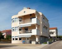 Apartments Petani - Apartment mit 1 Schlafzimmer und Balkon - Ferienwohnung Kozino