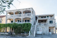 Apartments Božović - Two-Bedroom Apartment with Balcony and Sea View - apartments in croatia