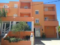 Apartments Bonex - Apartment for 4 to 6 People - Privlaka