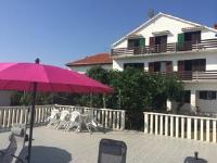 Guesthouse Milo - Apartment mit 1 Schlafzimmer, Balkon und Meerblick - Kukljica