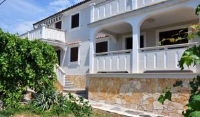 Apartments Kalsan - Deluxe Double Room with Garden View - Rooms Novalja