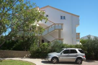 Apartments Novalja & Jasmina - Dreibettzimmer mit Terrasse - Zimmer Stara Novalja