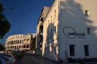 Hotel Amfiteatar - Dvokrevetna soba Superior s bračnim krevetom - booking.com pula