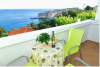 Villa Leoni - One-Bedroom Apartment with Balcony and Sea View - Apartments Ploce
