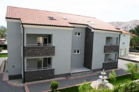 Apartments Maslina - Three-Bedroom Apartment with Balcony and Garden View - Baska