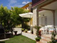Guest House Lucija - Dvokrevetna soba s bračnim krevetom i balkonom s pogledom na more - Sobe Banjol