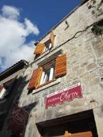 Villa Ivanka - Dvokrevetna soba s bračnim krevetom - Sobe Trogir