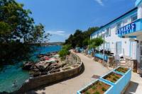 Tamaris - Hotel Resort Dražica - Dvokrevetna soba s bračnim krevetom s pogledom na more - Sobe Krk