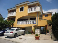 Apartments Jadranka Povile - Two-Bedroom Apartment with Balcony and Sea View - Houses Soline