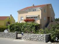 Apartments Silvija - Apartment mit 1 Schlafzimmer und Terrasse - Ferienwohnung Omisalj