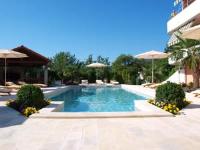 Apartments Villa Učka - Family Room with Balcony and Pool View - Rooms Opatija