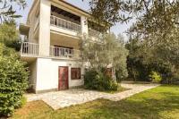 Apartments Sveta Marina - Apartment mit 2 Schlafzimmern und Terrasse - Zimmer Novigrad