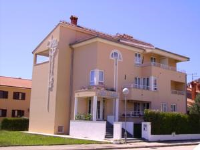 Villa Velina - Familienzimmer mit Balkon - Zimmer Fazana