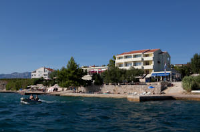 Vila 4m - Boarding House and Apartments - Dvokrevetna soba s bračnim krevetom - Razanac