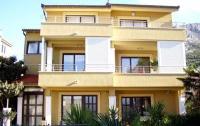 Apartment Medak Zrnovnica - Apartman s 3 spavaće sobe i balkonom - Sobe Potok