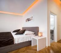 Riva Rooms - Soba s 2 odvojena kreveta sa zajedničkom kupaonicom - Sobe Split