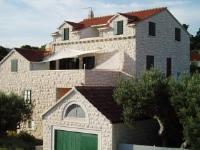 Villa Ela - Apartment mit 2 Schlafzimmern, Terrasse und Meerblick - Postira