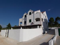 Apartments Croatia Brač - One-Bedroom Apartment with Balcony and Sea View - Apartments Supetar