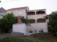 Apartments Miljević Bol - Two-Bedroom Apartment with Terrace and Sea View - Apartments Splitska
