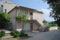 Guesthouse Mira - Trokrevetna soba sa zajedničkom kupaonicom - Rogac