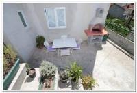 Guest House Family Varenina - Dreibettzimmer mit Terrasse - Zimmer Makarska