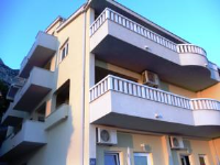 Apartments Akmadzic - Three-Bedroom Apartment with Terrace and Sea View - apartments makarska near sea