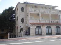 Apartments Mario - Dvokrevetna soba s bračnim krevetom - Sobe Makarska