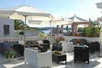 Hostel Villa Zorana - Dvokrevetna soba s bračnim krevetom i balkonom s pogledom na more - Sobe Hvar