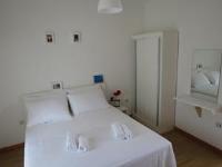 SD House - Dvokrevetna soba s bračnim krevetom i vanjskom kupaonicom - Sobe Bol