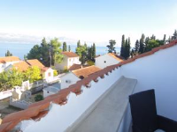 Apartments Luna - One-Bedroom Apartment with Terrace and Park View - apartments in croatia