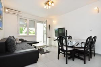 Apartment Ivan - Apartment with Terrace - Ivan Dolac