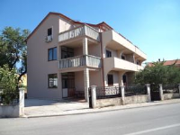 Apartments Ena - Three-Bedroom Apartment with Balcony - Houses Vrbnik