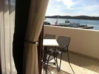 Pension More - Dvokrevetna soba s bračnim krevetom i terasom s pogledom na more - Sobe Sibenik