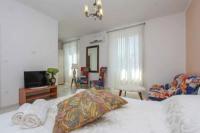 Apartment Jasmin - Dvokrevetna soba Deluxe s bračnim krevetom s balkonom - Sobe Marina