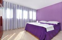 Apartment Joke - Two-Bedroom Apartment - apartments split