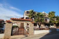 Guesthouse Brajković - Trokrevetna soba s balkonom - Sobe Vodice