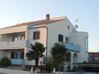 Apartment B.I.G. - Apartment mit Meerblick - Ferienwohnung Petrcane