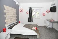 Apartments Dijana - Dvokrevetna soba s bračnim krevetom s terasom - Sobe Trogir