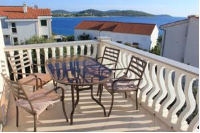 Apartments 4 Dolphins - Two-Bedroom Apartment with Sea View - apartments in croatia