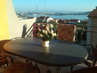 Apartments Mima - Two-Bedroom Apartment with Balcony and Sea View - Apartments Dol