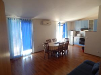 Apartments Jakovljević - Apartment mit Balkon - Ferienwohnung Grebastica