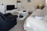 Guesthouse Villa Diana - Dreibettzimmer mit Balkon - Zimmer Makarska
