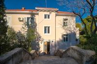 Apartment Velat - Two-Bedroom Apartment with Balcony - Split in Croatia