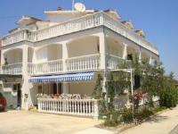 Apartments and Rooms Toni - Dreibettzimmer mit Gemeinschaftsbad - Zimmer Vodice
