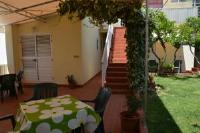 Apartments Gareta - Apartment mit 1 Schlafzimmer, Balkon und seitlichem Meerblick - Haus Gradac