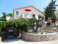 Apartments Maslina - One-Bedroom Apartment with Patio - Primosten
